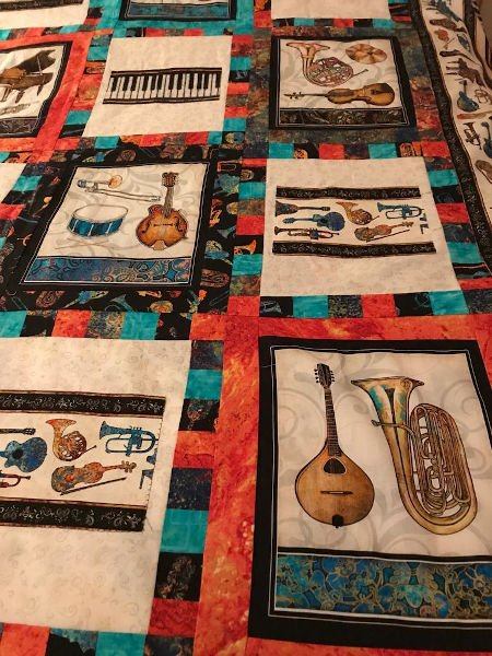 Green-acres-quilts-happy-notes-quilt-kit-instruments