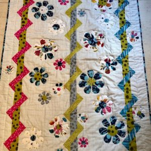 Green-acres-quilts-summer-vine-quilt-kit-complete