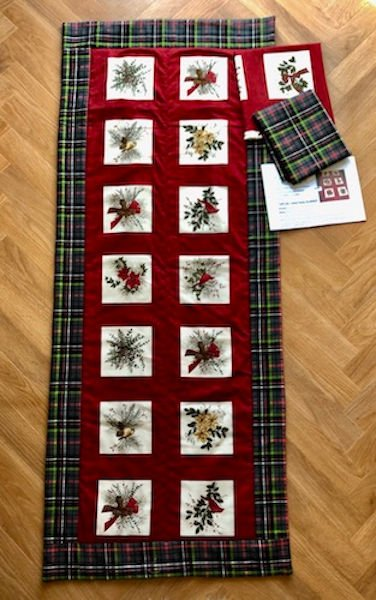 green-acres-quilts-tartan-christmas-table-runner-kit-complete