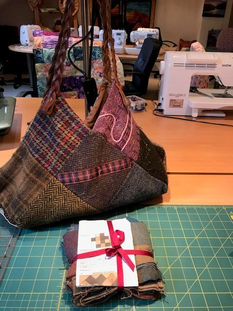 Summer workshop Tuesday July 28, The Emerald Tweed bag
